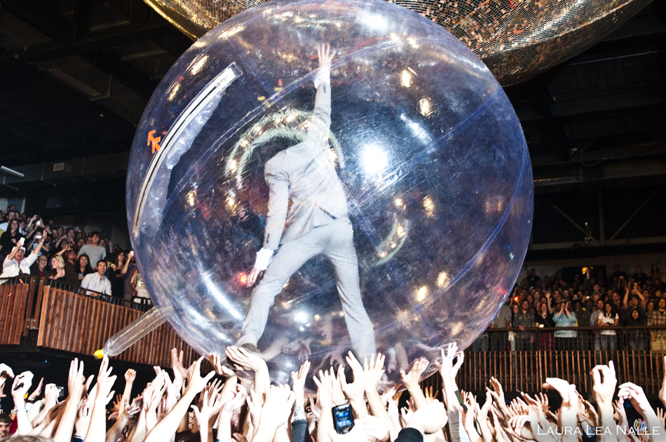 Flaming Lips in live at the Austin Music Hall, 2010 photo by Laura Lea Nalle